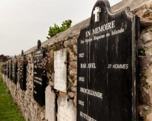 Mur des disparus à Ploubazlanec